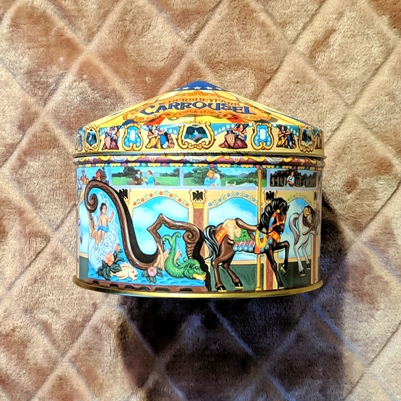 Vintage 90s Hershey Carousel Horse Tin
